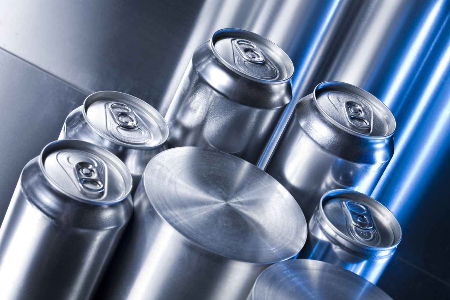 Get into our world of aluminium, innovative solutions and a wide range of products